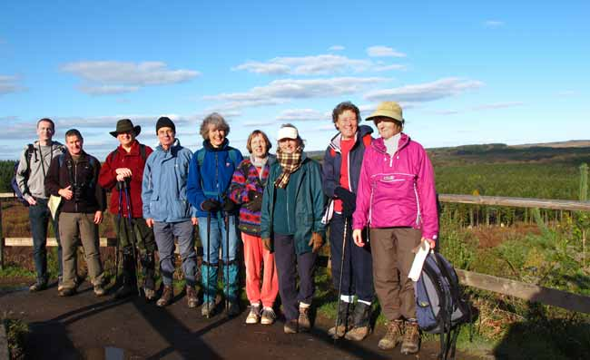 Winter walkers fron the Lindors